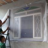 Casas de gestantes recebem telas de proteção com inseticida