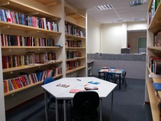Biblioteca em Santa Tereza