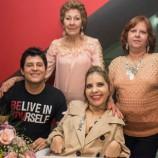 Tatyana vence deficiência e lança livro