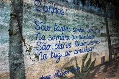 Sarau e lançamento livro Muro Poetas & Poesias