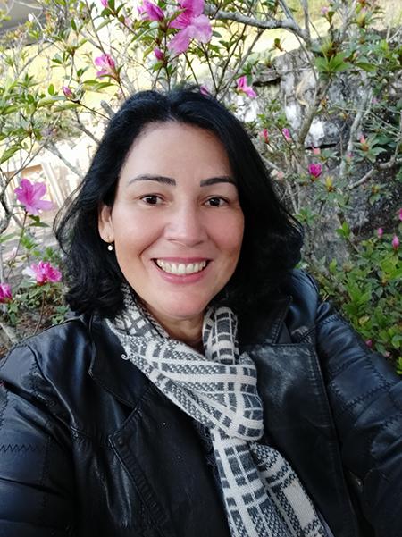 Escritora Iza Santana lança livro Trigais Cotidianos