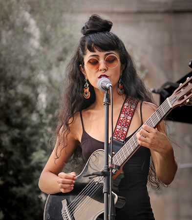 Show da cantora Lohanye no Circuito Cultural UFMG